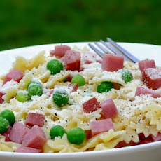 Baby Bowties with Peas & Ham