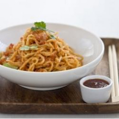 Soft Noodles with Crab and Sweet Chilli Sauce