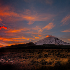 Sunrise and volcano by Cristobal Garciaferro Rubio - Landscapes Sunsets & Sunrises