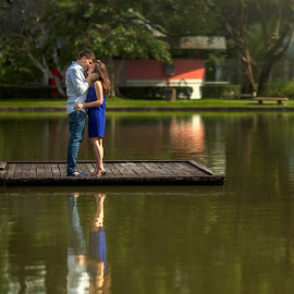Love By the Lake by Stuart Rango - People Couples