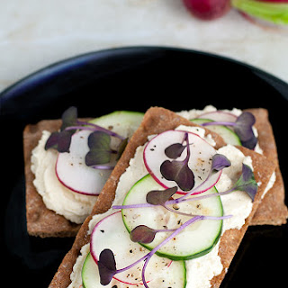 Crispbread Snacks with Cheese Spread, Radish & Cucumber