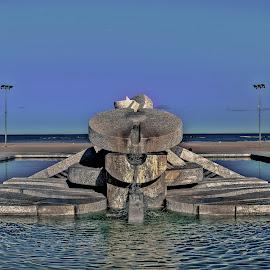 Fontana 'Nave' di Cascella. by Ruggero Cristiano - Buildings & Architecture Statues & Monuments ( pescara, abruzzo, art, fountain, monument, nikon, italy, artwork )