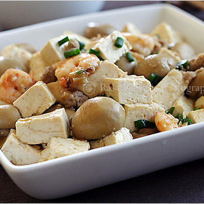 Home-style Tofu Recipe (Tofu with Mushrooms)