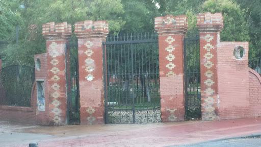 Antigua Puerta Al Parque Lorenzo Azofra