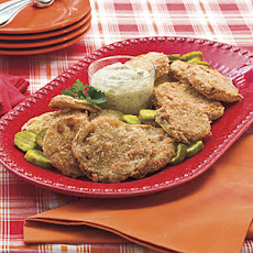 Fried Green Tomatoes With Bread-and-Butter Pickle Rémoulade
