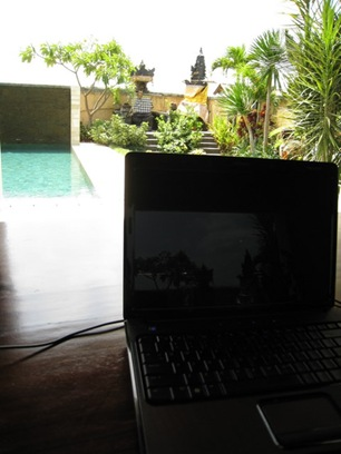 pool side office
