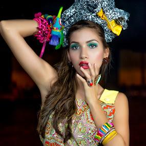 by Julio César Rosales Chávez - People Fashion