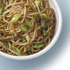 Stir-fried Noodles & Beansprouts