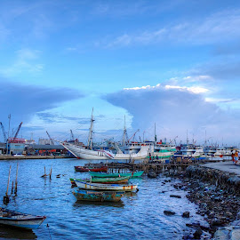 Another evening in Sunda Kelapa Harbour (full screen) by Alfi Nurulhida - Landscapes Travel (  )