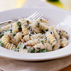 Fusilli with Creamy Pancetta-and-Pea Sauce