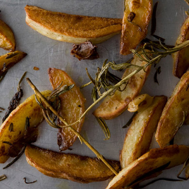 Rosemary and Garlic Roasted Potatoes Recipe | Yummly