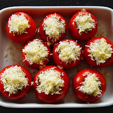 Cheesy Stuffed Tomatoes With Arugula Salad