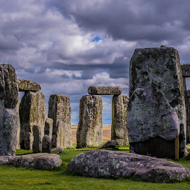 Stonehenge by Jennifer Tsang - Buildings & Architecture Statues & Monuments ( england, stonehenge, united kingdom )