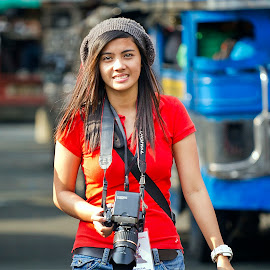 by Ohmz Pineda - People Street & Candids