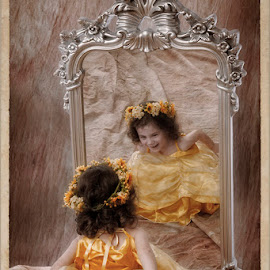 Mirror Mirror by Astrid Pardew - People Family (  )