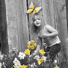 by Rachelle MacDonald - Babies & Children Child Portraits (  )