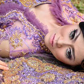 Untitled by Dwi Satrio - People Fashion