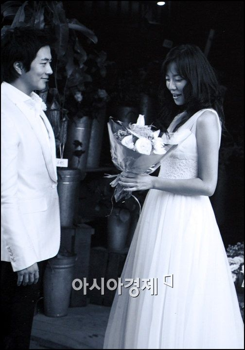 Son Tae-young and Kwon Sang-woo Sweet Wedding Dress