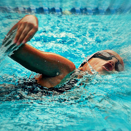 by Luis Almeida - Sports & Fitness Swimming