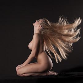In the wind by John Einar Sandvand - Nudes & Boudoir Artistic Nude