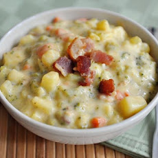 Loaded Broccoli Cheese and Bacon Soup