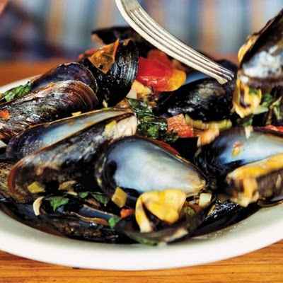 Mussels Fra Diavolo with Roasted Garlic from 'The Catch'