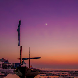 Moon at dawn by Budi Kurniawan Setiawan - Landscapes Sunsets & Sunrises ( focus photography, budi zhang )