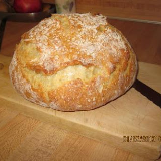 THE Best Crusty Bread (Dutch Oven)