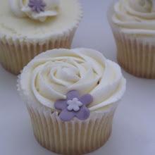 Cupcakes, buttercream and swirls
