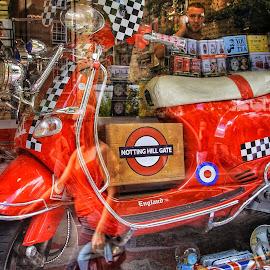 by Jose Figueiredo - City,  Street & Park  Markets & Shops ( london, vespa, souvenir )