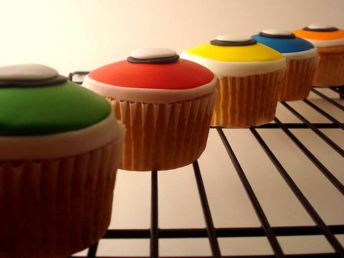 Geekcake_Renee_GuitarHero_Cupcakes