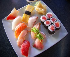 732px-Sushi_at_Pasadena_restaurant