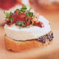 Goat Cheese and Sun-Dried Tomato Tartines