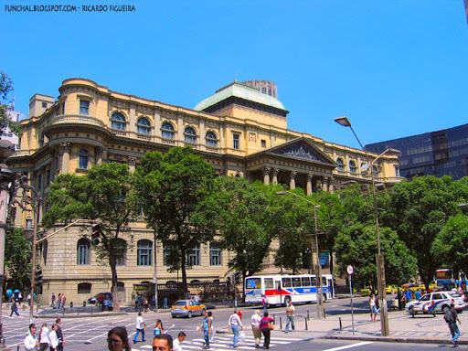 http://lh5.ggpht.com/figueira/SLANQ1MlEpI/AAAAAAAADsw/61qql7-VkIc/Biblioteca_Nacional_Rio_de_Janeiro.jpg