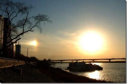 دیده شدن دو خورشید در آسمان