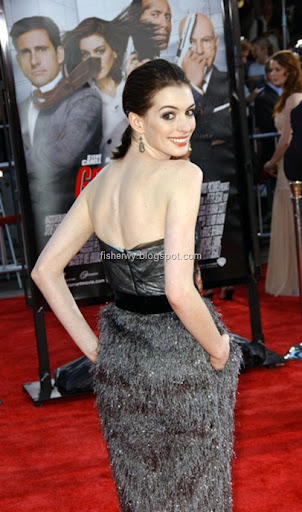 Photo of Anne Hathaway attending Get smart world premiere in Westwood, Ca