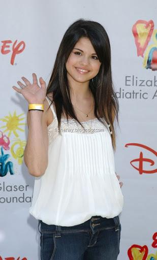 Selena Gomez. selena gomez mother. selena