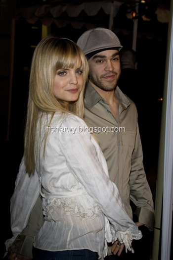 Picture of Mena Suvari attending Standing Still Los Angeles Premiere on April 10, 2006. Mena Suvari engaged boyfriend Simone Sestito in july, 2008