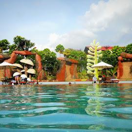 SWIMINGPOOL. . . . by Shishir Kumar - Buildings & Architecture Office Buildings & Hotels ( building, mysore, swimingpool, photography )