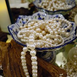 by J W - Artistic Objects Jewelry
