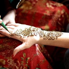 Henna Tattoo by Deepak Sharma - People Body Art/Tattoos ( hand, bangalore, henna, girl, art, beautiful, artistic, india, herbal, heena, karnataka )