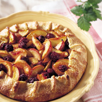 Rustic Nectarine and Blackberry Crostata with Cornmeal Crust