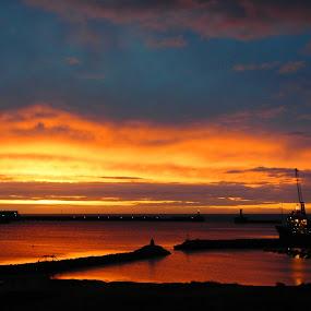 Scottish sunrise by Derek Robinson - Landscapes Sunsets & Sunrises ( nikon j2 scottish sunrise waterscape )