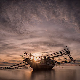 boat and sunset by Heri Budianto - Transportation Boats