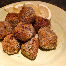 Lentil Meatballs with No Meat and a Surprise Center