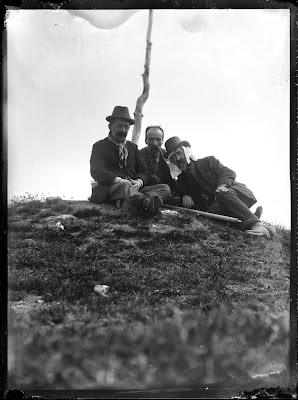 Henri La Fontaine (in the center) during a trip to mountain, undated