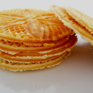 Pizzelle – Italian Waffle Cookies