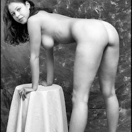 Met salontafeltje  by Etienne Chalmet - Nudes & Boudoir Artistic Nude ( erotic, girls, sexy, nude, black and white, beauty )