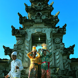 kebudayaan bali by Adji Alfan - Novices Only Portraits & People