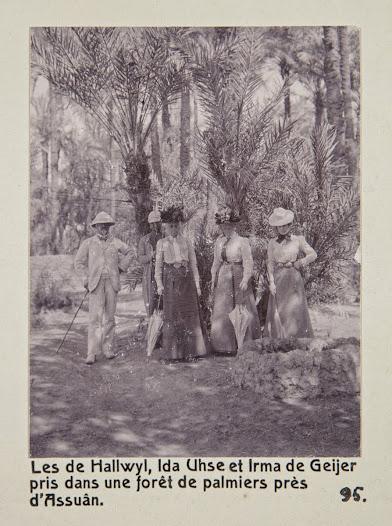 Fr. v.: Walther von Hallwyl, okänd person, Wilhelmina von Hallwyl, Ida Uhse och Irma von Geijer. Klädda för äventyr.